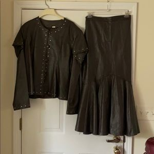 Donna LePure Brown Leather Skirt Set (4X)